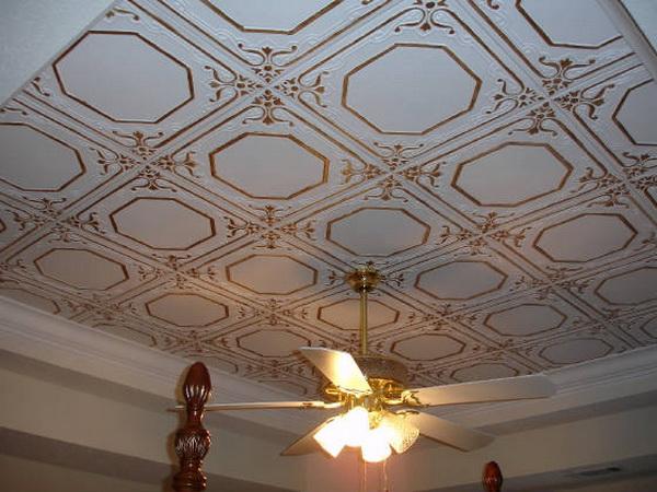 Чем украсить потолок своими руками