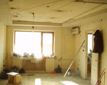 Как быстро очистить стену от краски, обоев и шпаклевки?